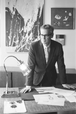 Barry Goralnick with the Davy Desk Lamp