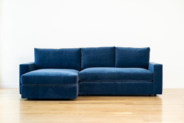 Linden Chaise Sectional in Ocean velvet