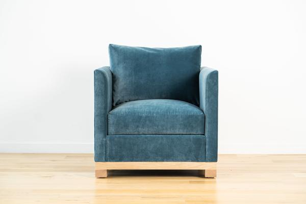 Mapleton Chair in Teal velvet and Natural oak