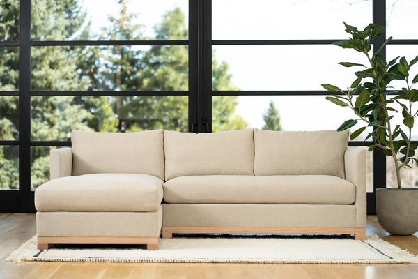 Mapleton Chaise Sectional in linen
