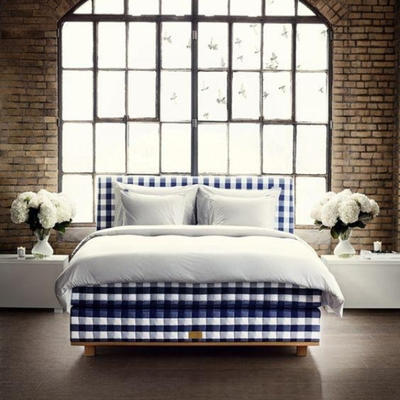 Hästens Vividus Bed with Linens in Pure White