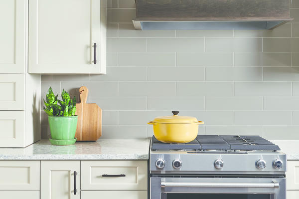 Flex captures the essence of subway tile for unique vertical installations. The series is available in matte and glossy finishes for an array of aesthetics.