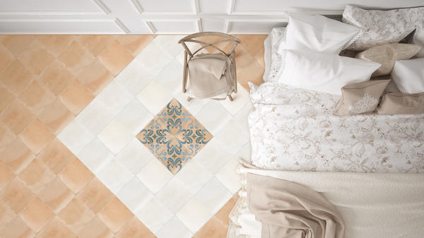 The glazed ceramic Señora pays homage to Spanish-architecture and brings a touch of warmth to any space.