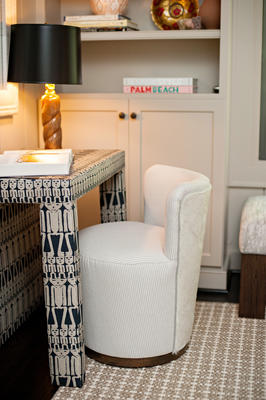 Porter Side Table and Teeny Chair