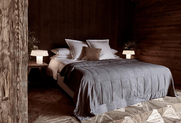 Hotel Classic Bedding Collection and Simple Warm Quilt