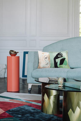 In a collection that makes many nods to antiquity, the end table is designed as an aesthetic homage to Greek columns. In a contemporary twist, only four flutes adorn column's exterior, offering a minimalist ornamental look in a highly expressive color. This piece is handcrafted in the Rinck workshops in France.