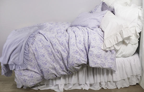 French Toile poplin bedding in Lilac