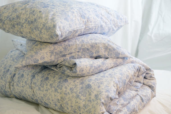 French Toile poplin bedding in Chambray