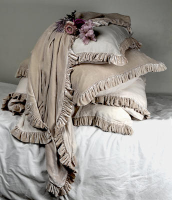 Silk velvet Ruffle and Linen accessories in Soft Nude
