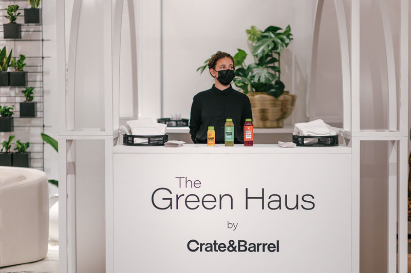 At The Green Haus by Crate & Barrel, attendees enjoyed a selection of cold-pressed juices.