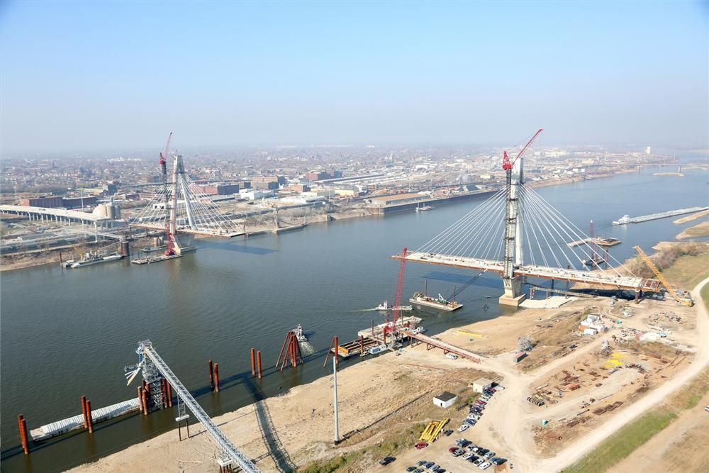 Missouri and Illinois Departments of Transportation photo With a main span of 1,500 ft. (457 m), the bridge will be the third largest cable stayed bridge in the United States.