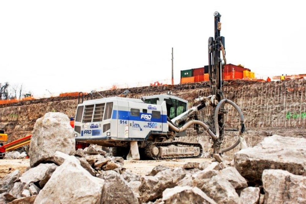 Given the logistics, the company faced two primary challenges on the job site; first, traffic, and second, the unique operating requirements as a consequence of the site location.