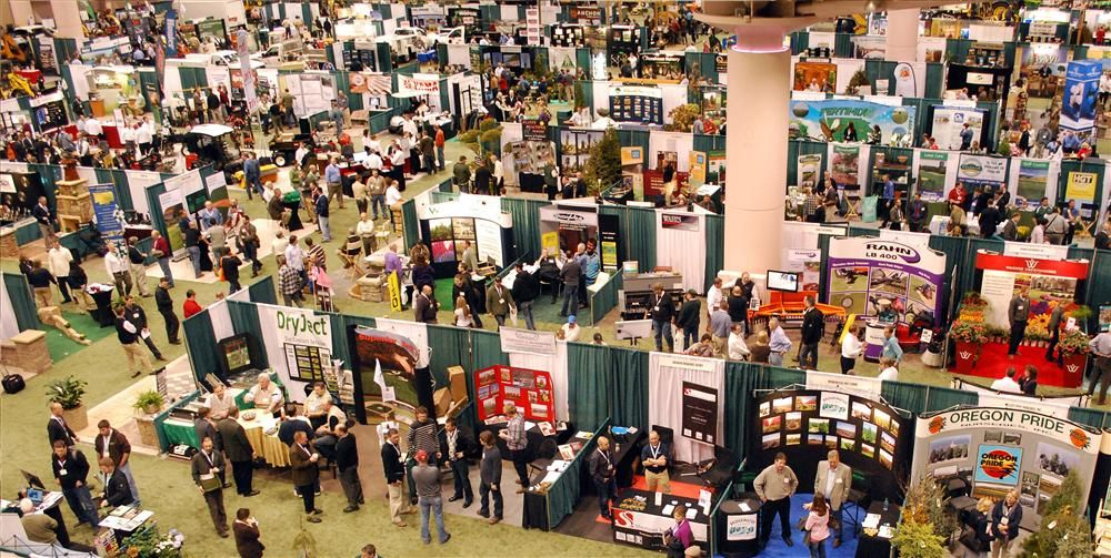 An overhead view of the Northern Green Expo floor.