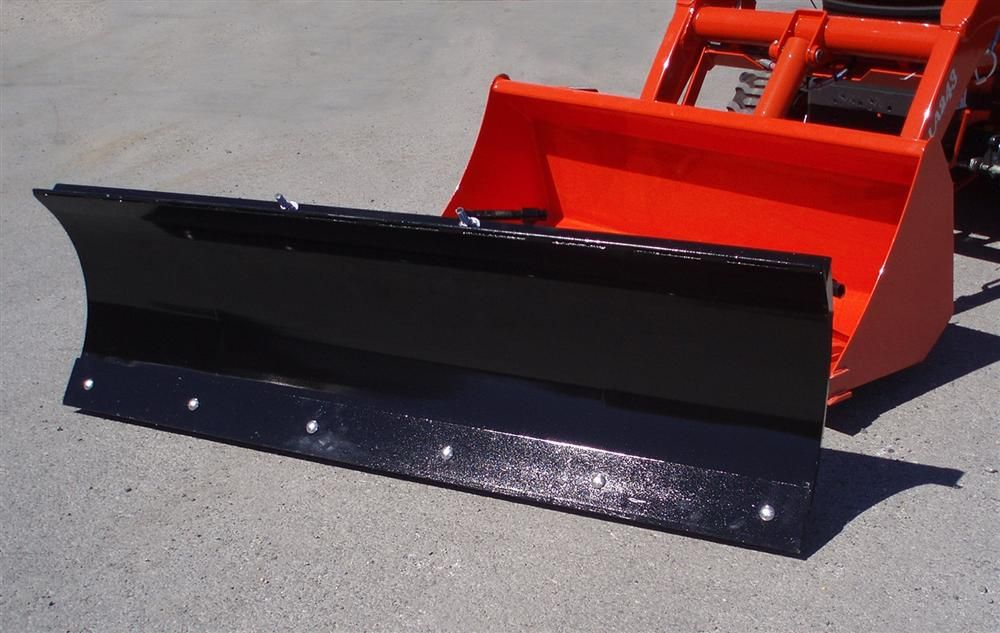 The SC series blades fit compact tractors of 35 hp (26 kW) and under; for larger compact tractors of 36 to 50 hp (26.8 to 37 kW), the C series blade is the correct fit.