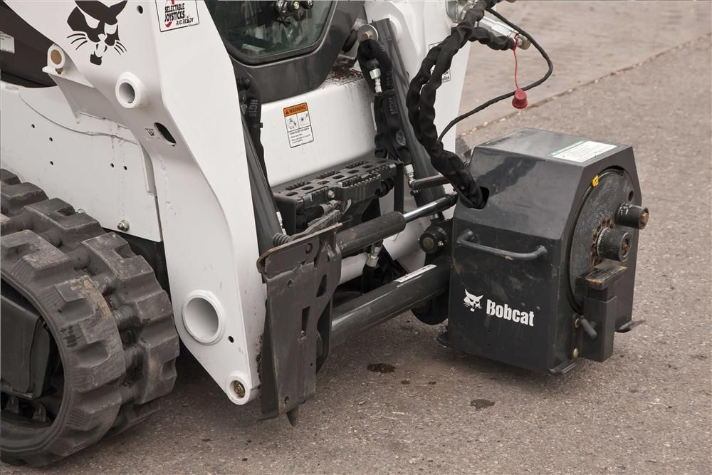 The rebar bender comes with five mandrels that provide the ability to bend rebar into a variety of angles and repeat bends for added efficiency and consistency.