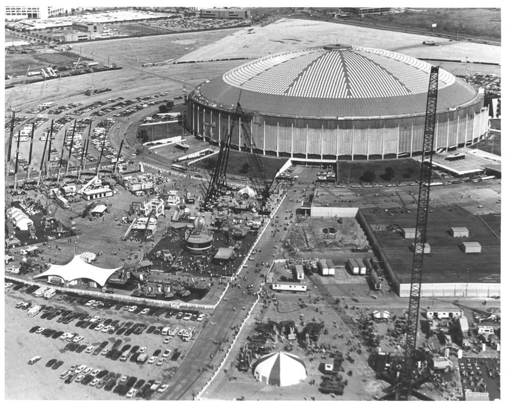 ConExpo 1981 — Everything's Truly Bigger in Texas