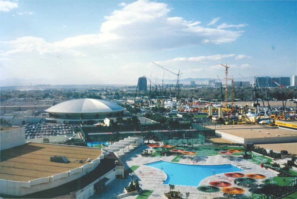 ConExpo '87 Wows 'Em in Vegas!
