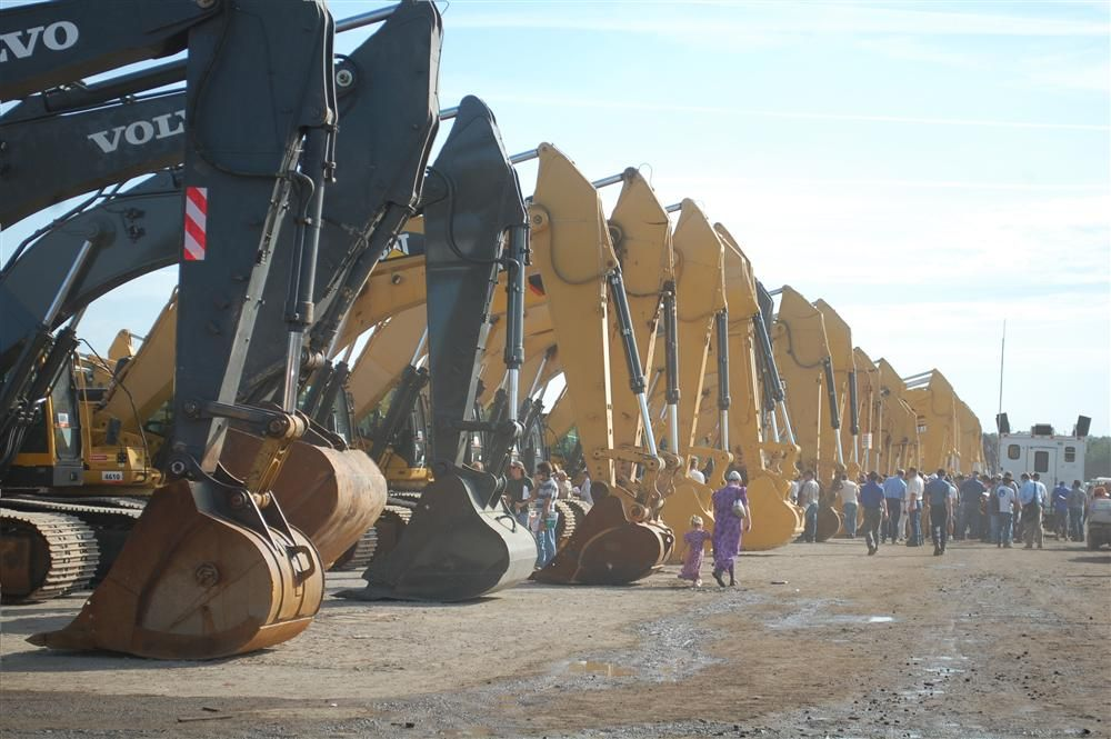 More than 500 excavators formed a line approximately a mile-and-a half long.