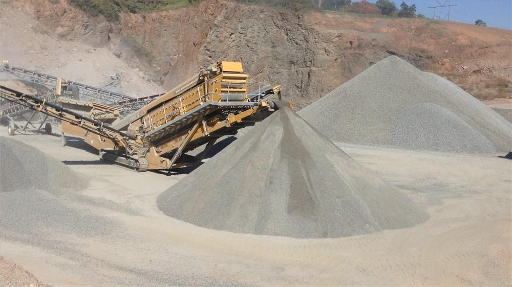 """Standard screens are designed to produce a clean, sized finished product. These screens do the best work in sand and gravel pits, quarries and recycled concrete and asphalt jobs. They often are considered """"finishing screens"""" because they&#8217"""