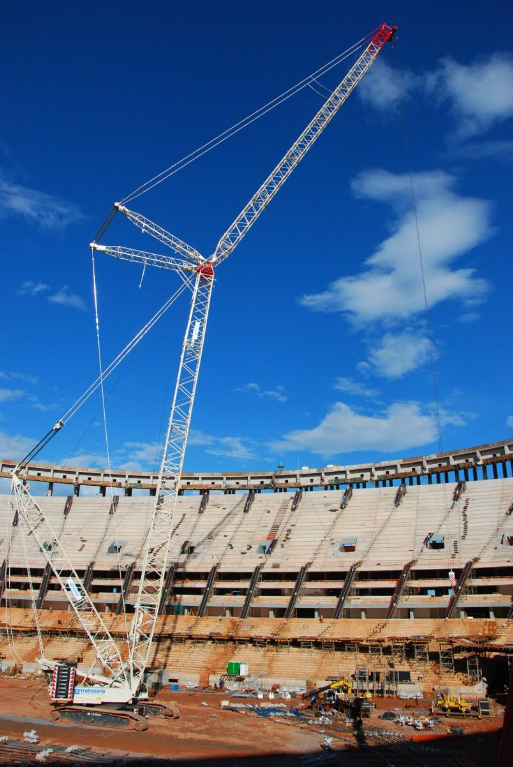 Material handling specialist Transdata chose a 661 ton (600 t) capacity Terex CC 2800-1 crawler crane to help construct the stadium's environmentally friendly rooftop, which incorporates photovoltaic cells capable of generating all the power require