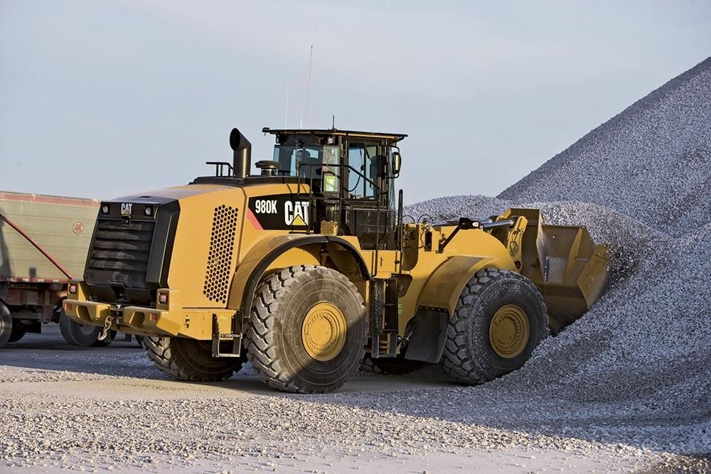 The 980K is equipped with the Cat C13 Acert engine with peak net power of 369 hp (275 kW) at 1,500 rpm. The loader accommodates buckets from 5.25 to 16 cu. yds. (4 to 12.2 cu m).