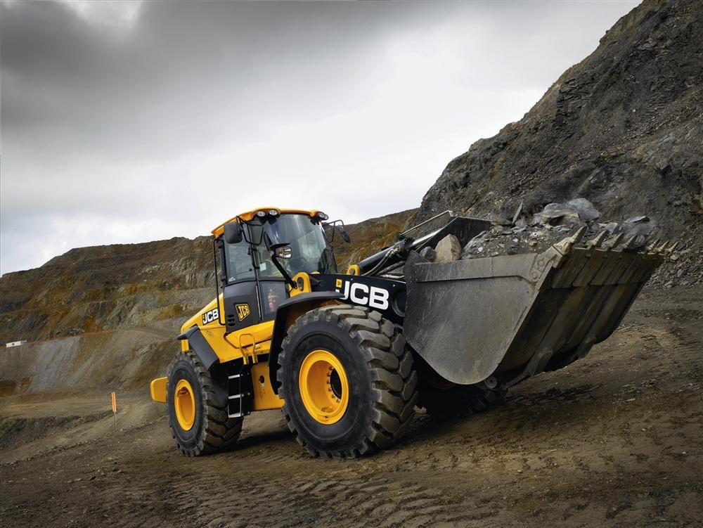 The JCB 457 takes over at the top of the JCB wheeled loader line-up, replacing the 456. The machine is powered by an 8.9 L engine delivering 250 hp (186 kW) of power, an increase of 16 percent from the previous model.