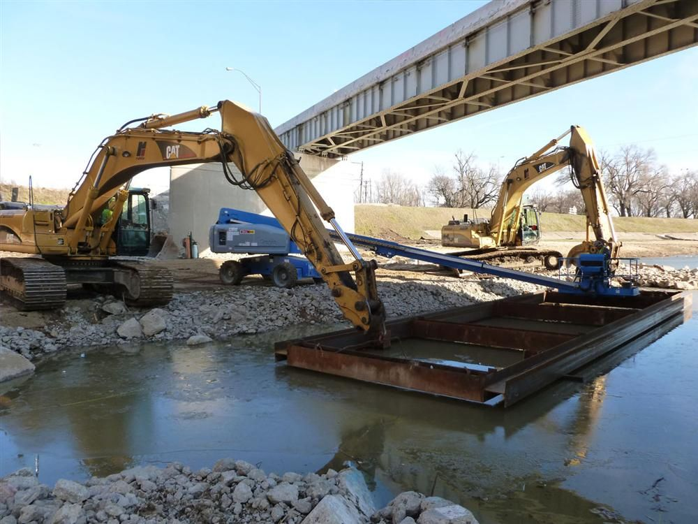 Located less then a mile north from the project to reconstruct part of Interstate 75 in Dayton, the Ruhlin Company also is responsible for the demolition and reconstruction of the I-75 to Route 4 North Ramp Bridge in Montgomery County along I-75.