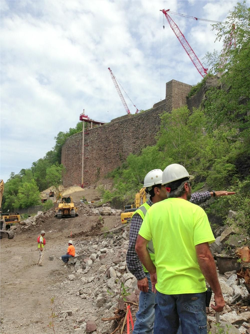 The work site is not run-of-the-mill. The property is sandwiched between Niagara River waters separating Canada and the United States and the vertical gorge wall on the American side. Access to the work area is limited.