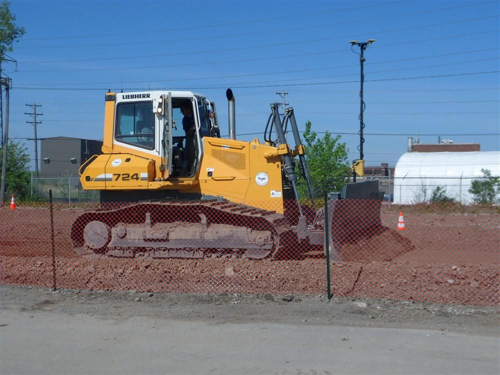 A Topcon 3DMC2 is demonstrated on a Liebherr 724 from Tracey Road Equipment.