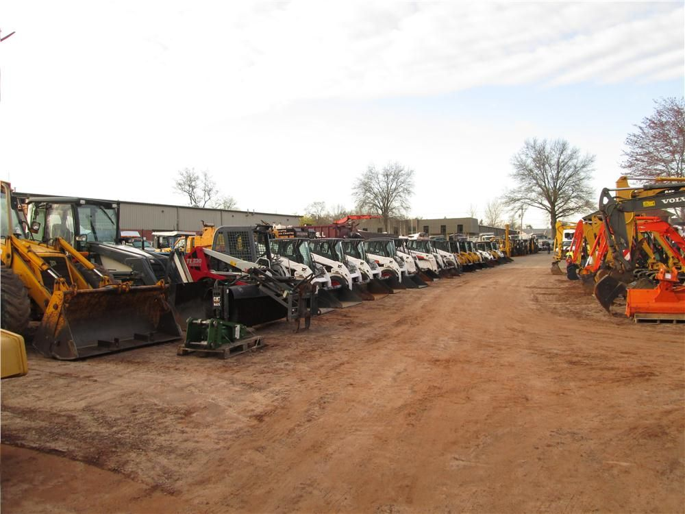 The auction featured a large variety of skid steers.