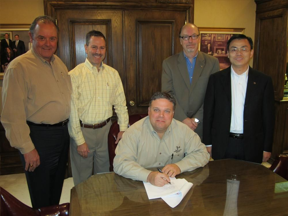 SANY America and Binder Machinery recently reached a partnership agreement. President and COO Brendan Binder (seated) signed the documents while (L-R) Bob Binder, chairman of the board of Binder Machinery; Joe Vazzano, CFO of Binder Machinery; Kyle Nape,