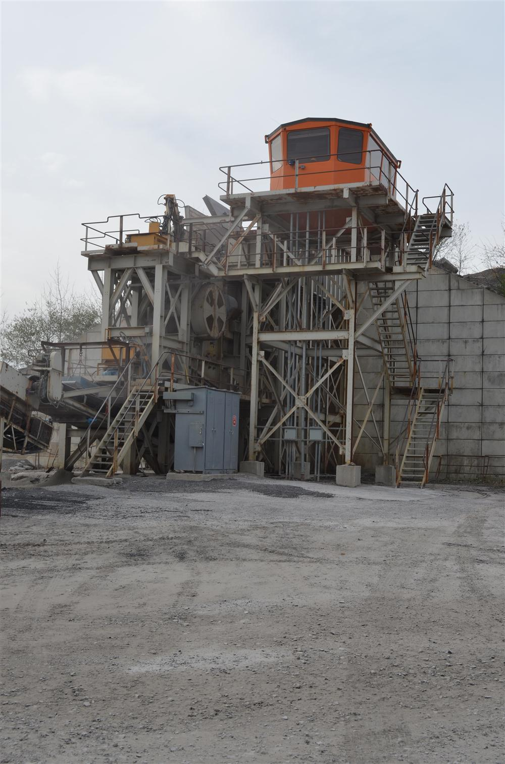 Continental Paving's 44 x 48 primary jaw crusher.