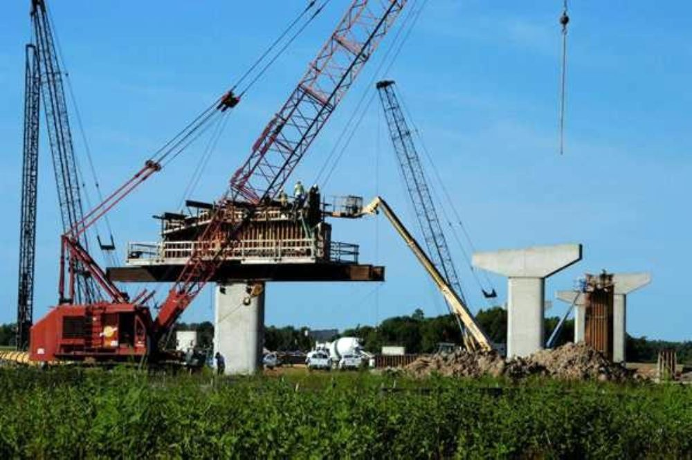 According to Ernie Westfall, AHTD District Two construction engineer, equipment on this section of the project includes American Cranes models 999, 7250, 5299, 5300 and 9260,