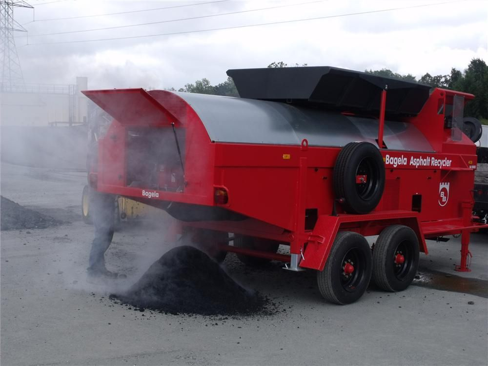 Bagela manufactures three different sizes of asphalt recyclers: BA4000 (4-ton [3.6 t]), BA7000 (7-ton [6.4 t]) and BA10000 (10-ton [9 t]).