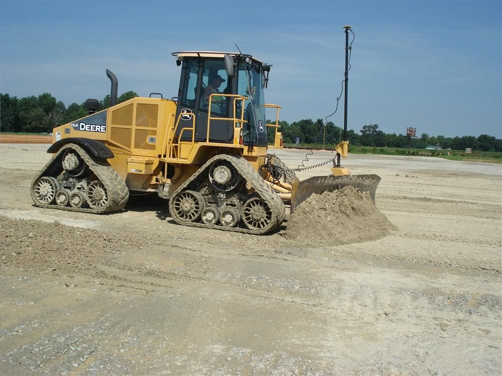 This John Deere 764 high speed dozer is equipped with the Topcon 3D-MC².