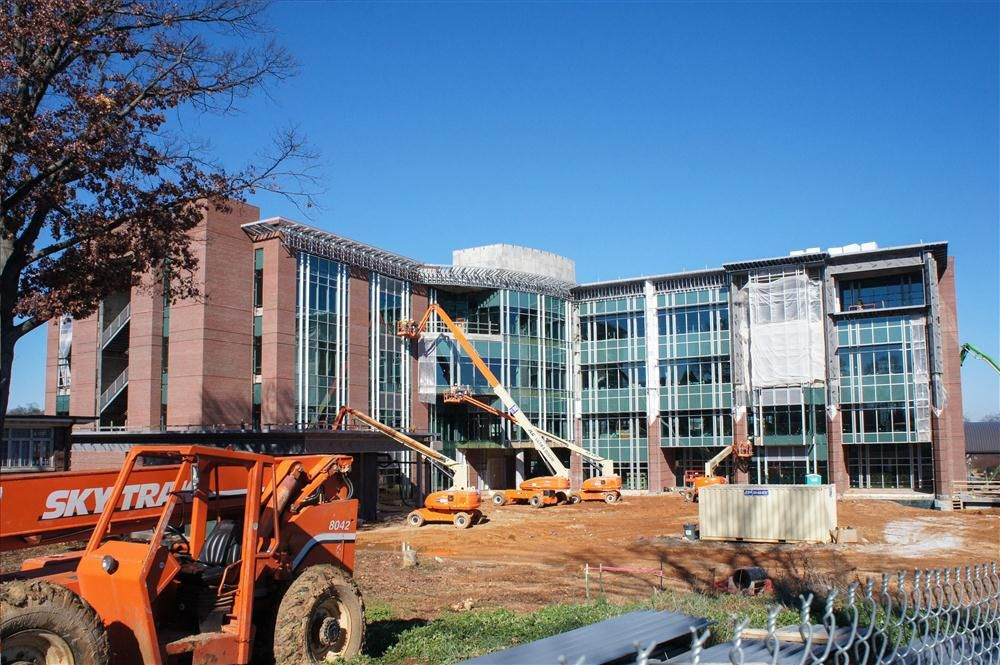Office of University Relations, University of Tennessee at Chattanooga photo In early 2010, officials broke ground on the 184,725 sq. ft. (17,161 sq m) building, which will serve as the premier location for academic needs outside the classroom.