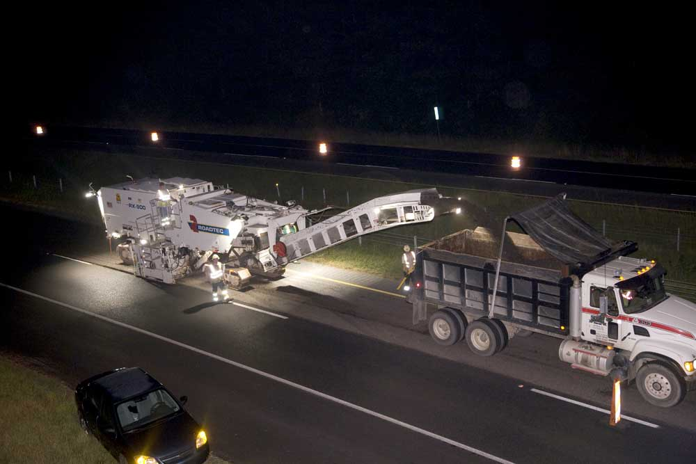 There were six Roadtec RX900 milling machines on the I-575 job (two were used on the full-lanes on the main line and four were used on the half lanes on the ramps and shoulders).
