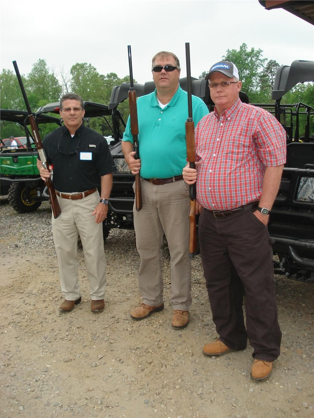 (L-R): Jim Thompson, Paul Ware and Ken Johnson, all of Martin Marietta Materials, head out on the course.