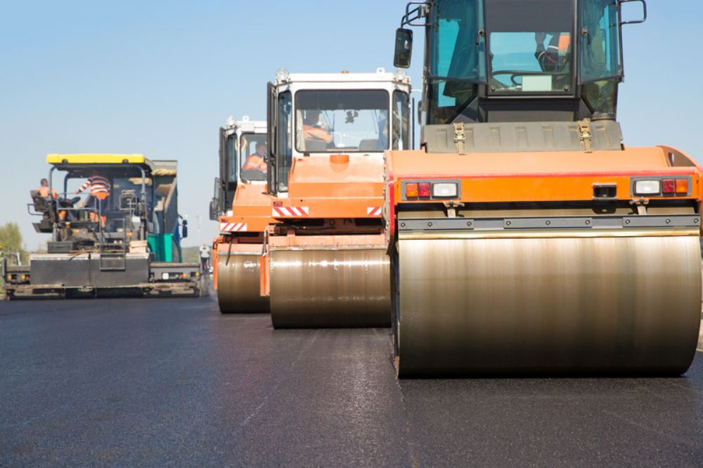 Construction is to start late next month or in early October on the long-awaited direct connection between Interstate 95 and the Pennsylvania Turnpike, after the award of a $142.9 million contract to a Bucks County firm.