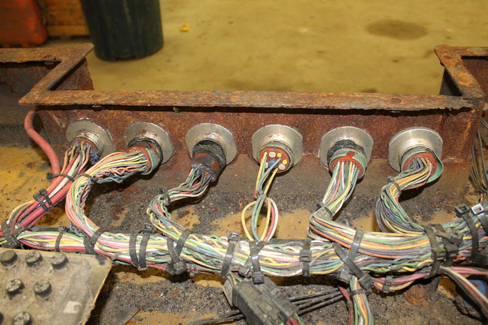 The wire harness display shows the extent of the damage. The wires disintegrated and blew out of the sockets.
