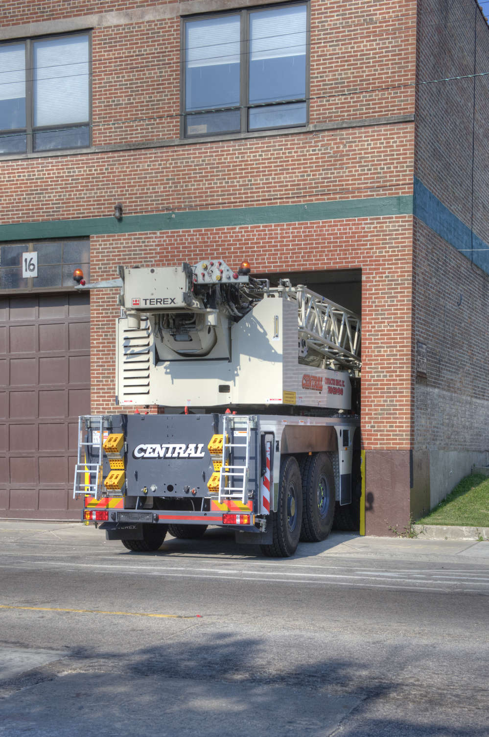 There was only one option for Central Contractors: the Terex AC 100/4L all terrain crane.