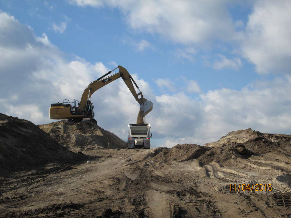 One million cu. yds. (764,555 cu m) of excavation needed to be moved; the majority of dirt was expected to be moved in the winter.