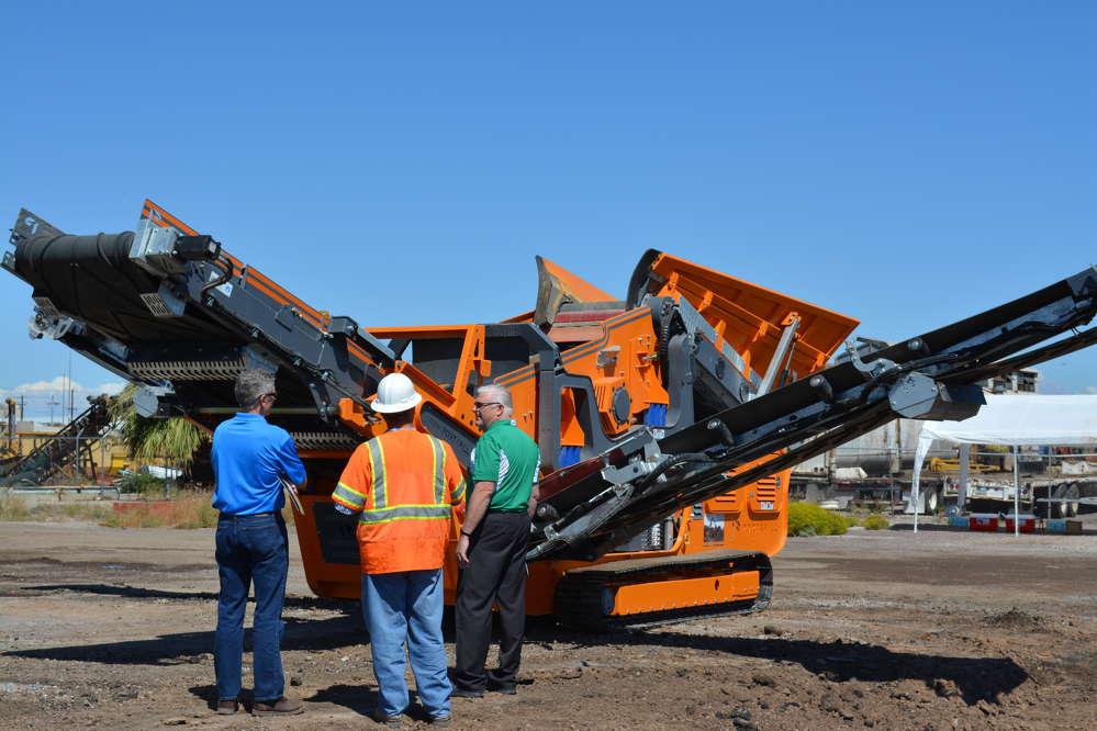AU's Portafill 500CT was on display during the demonstration held on Buckeye Road in Phoenix, Ariz.
