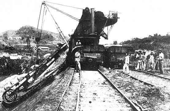 Excavator at work, in Bas Obispo, 1886.