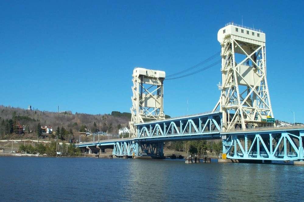 The Portage Lake Lift Bridge in 1999.