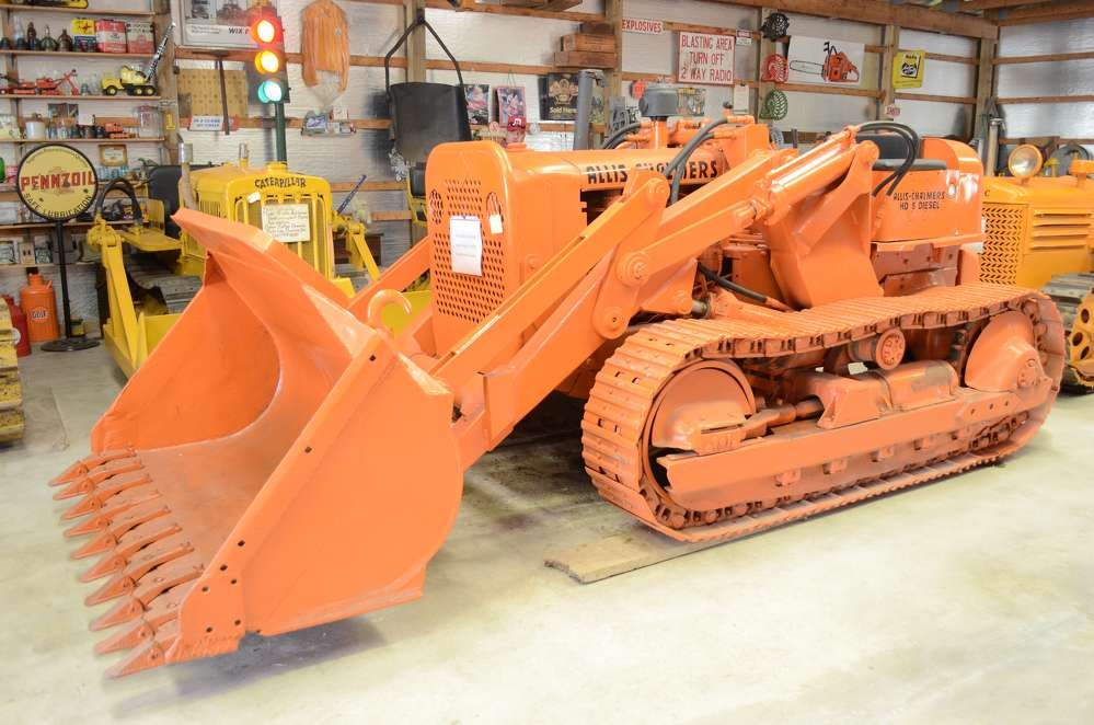 A 1955 Allis-Chalmers HD5 crawler loader looks just as ready to work today as it did 61 years ago.