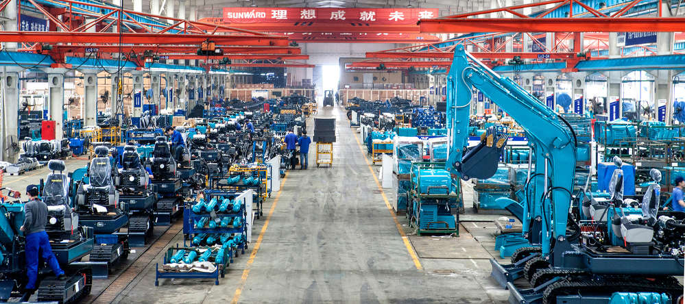 A major heavy equipment manufacturer based in China is looking to expand westward to the United States — with help from a dealer in Utah.