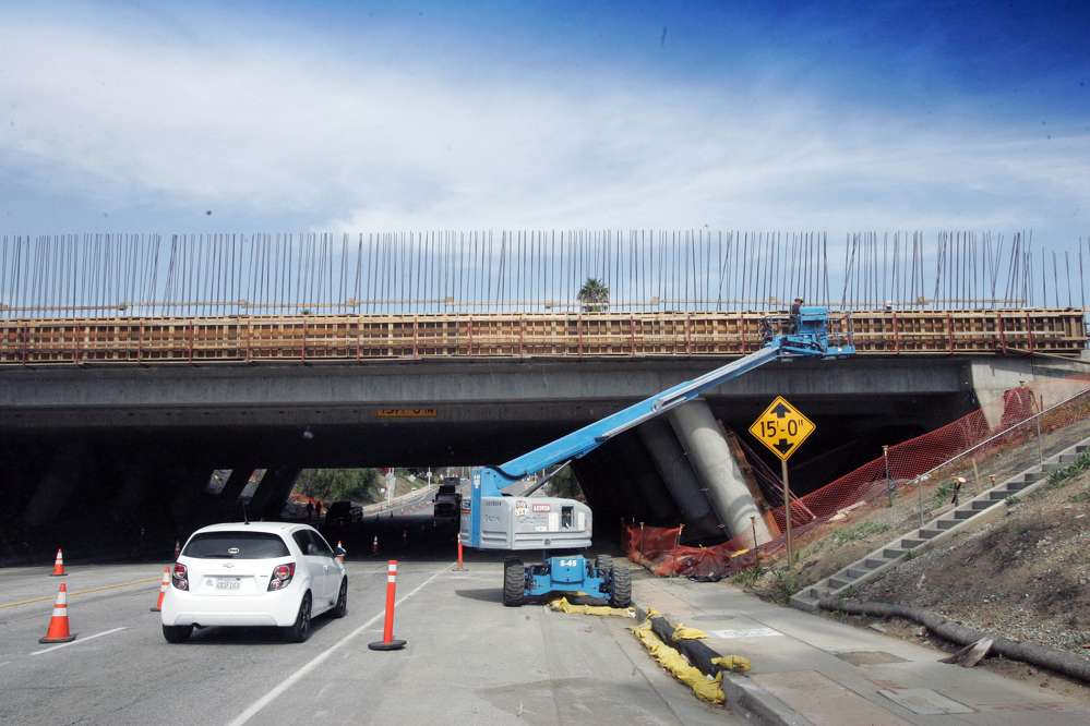 The project that began in June 2014 includes widening of bridges and ramp realignments along a 4.1-mi. (6.6 km) stretch of I-10 in Los Angeles County.