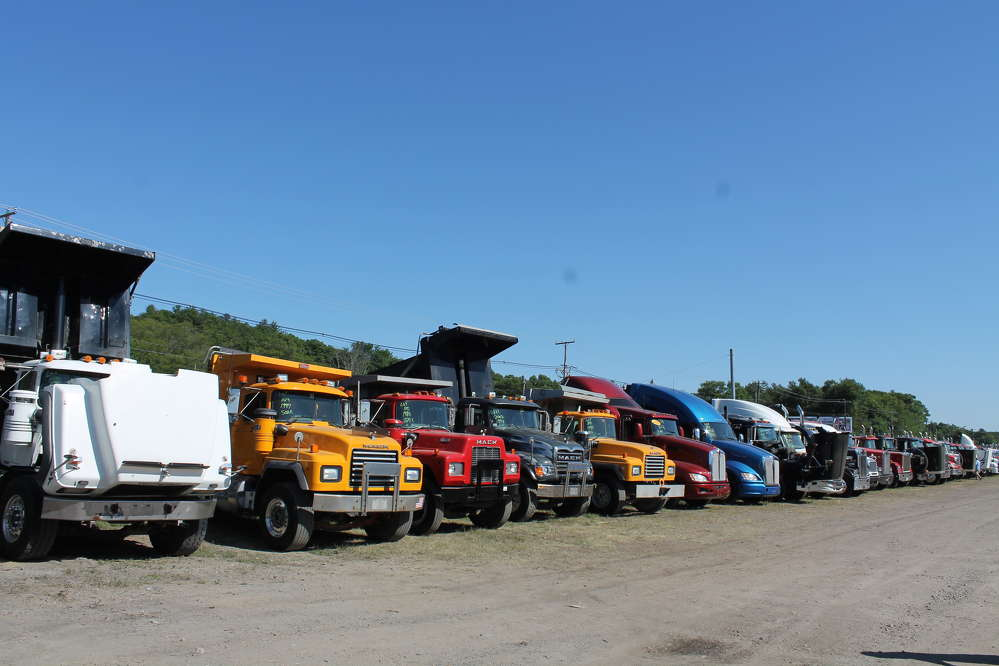 There was an extensive lot of heavy off-road and on-road trucks available to bidders.