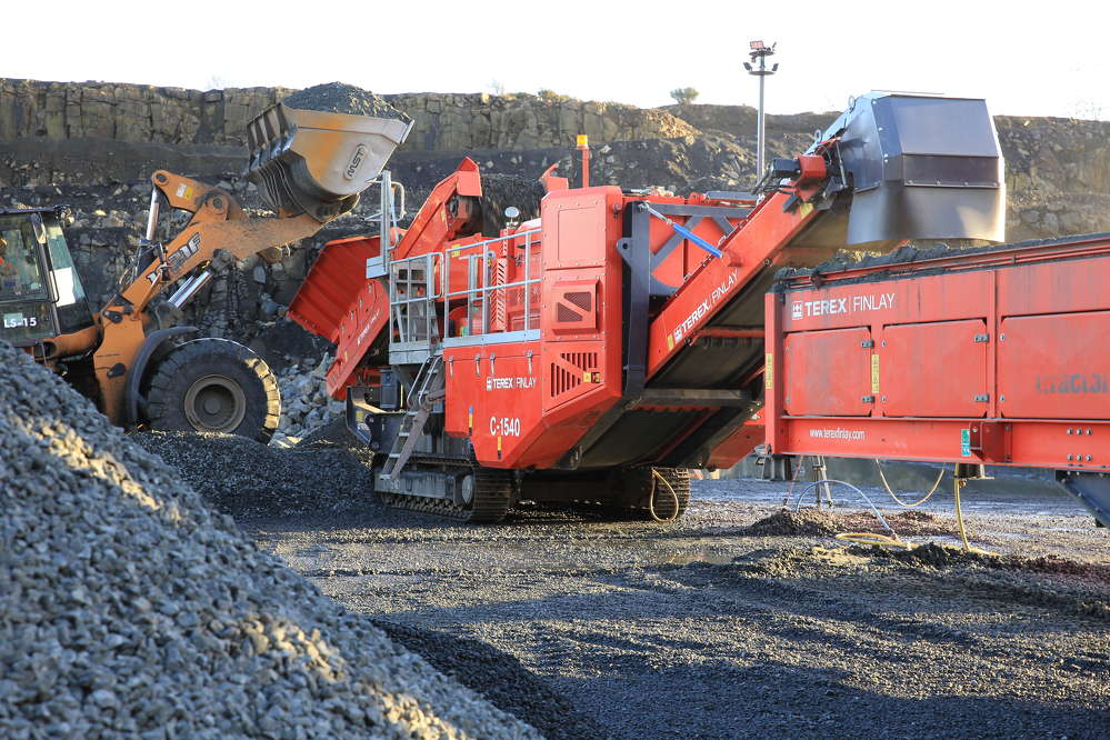 The C-1540 direct drive cone crusher is the latest addition to the Terex Finlay range of tracked mobile cone crushers.